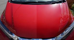 【鮮やかさが復活】愛車の塗装表面の色褪せ・小キズを解消し、驚きの仕上がり