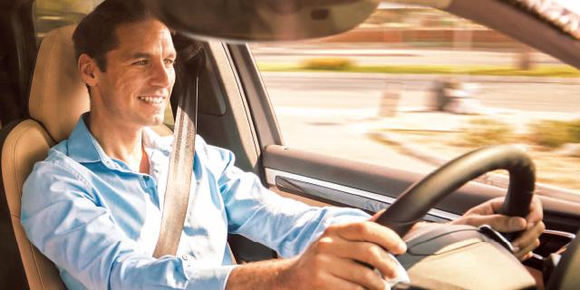 """長距離ドライブ時の""""腰痛""""対策。"""